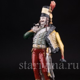 Статуэтка солдата из фарфора Французский гусар, 1795, Sitzendorf, Германия, пер. пол. 20 в.